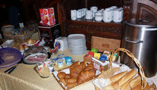 Chateau du Val - breakfast