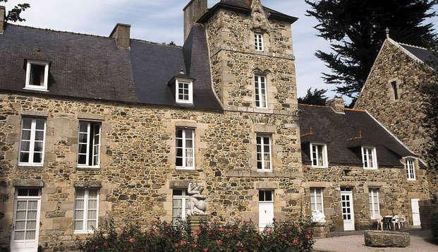 Chateau du Val - front