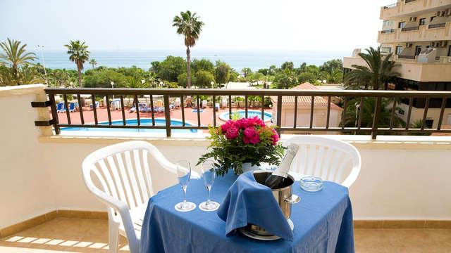 Especial parejas: escapada con balcón y vistas al mar en Torrevieja