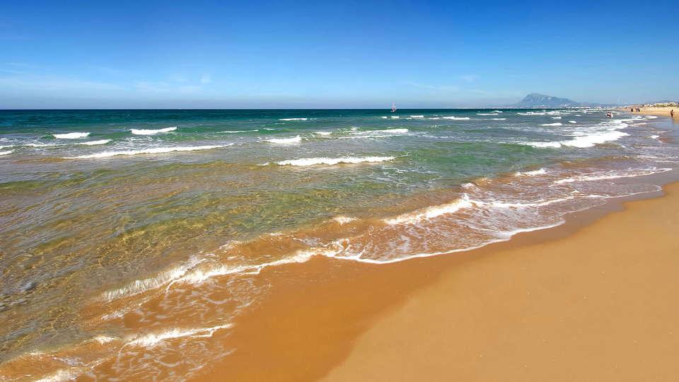 Oliva Nova Beach & Golf Hotel - Edit_Destination.jpg