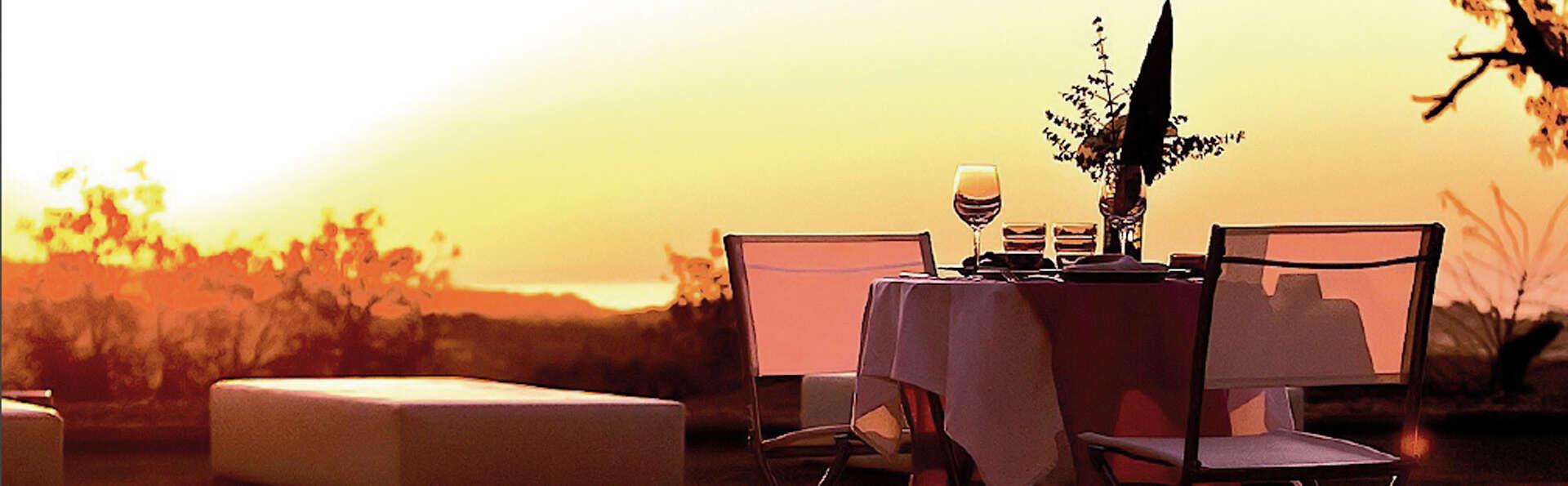 Escapade en couple avec dîner et détails romantiques dans un environnement privilégié