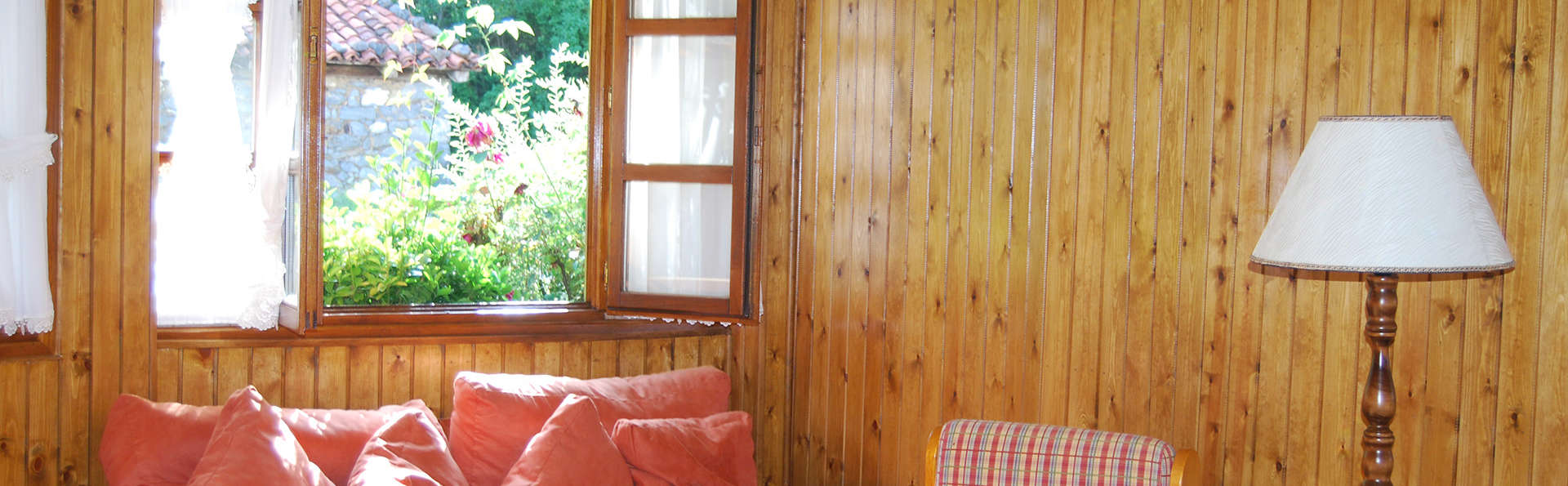 Posada El Sestil - edit_lounge.jpg