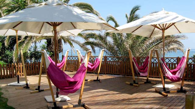 Alójate en Benalmádena con acceso a zona relax, pensión completa y en primera línea de mar