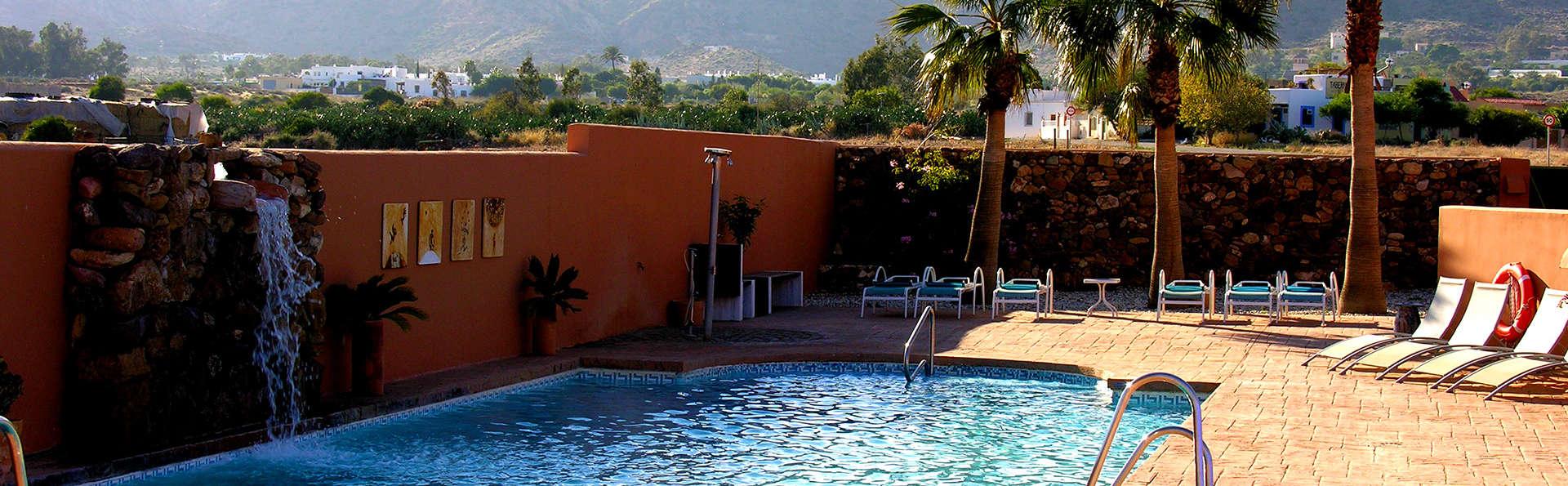 Escapade romantique avec petit-déjeuner en chambre + Spa sur la Côte d'Almería (à partir de 2 nuits)