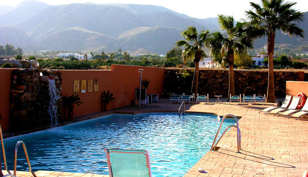 Escapada romántica con desayuno en la habitación y acceso al Spa en Costa Almería (desde 2 noches)