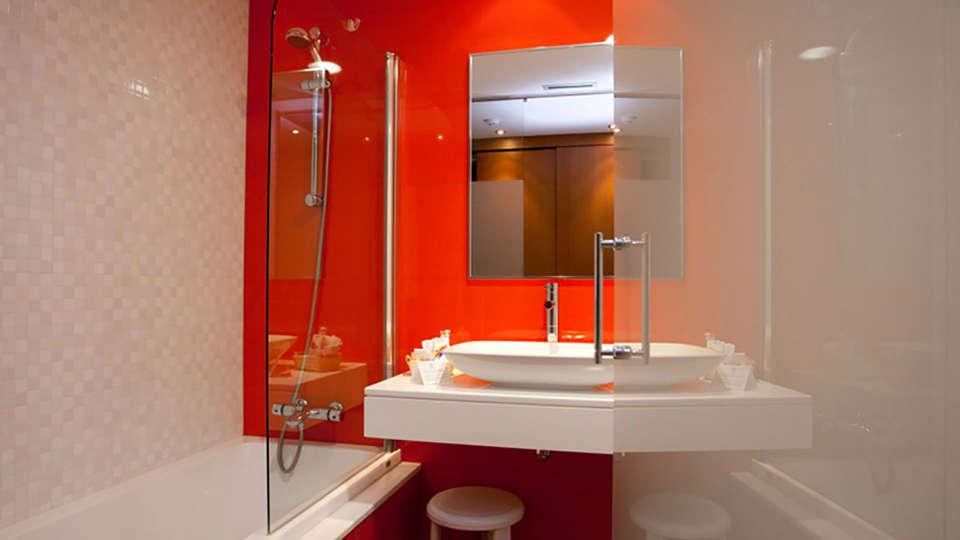 Hotel Thalasso Cantábrico Las Sirenas - Edit_Bath2.jpg