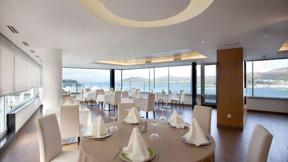 Hotel Thalasso Cantábrico Las Sirenas - Edit_Restaurant6.jpg