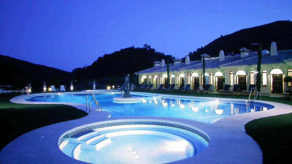 Gran Hotel Benahavís SPA - edit_facade_pool.jpg