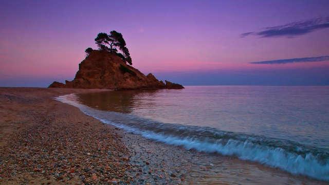 Escapada con Spa: Relax entre calitas de la Costa Brava con Aperitivo