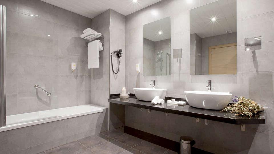 Sercotel Hotel Gran Bilbao - Edit_Bath4.jpg