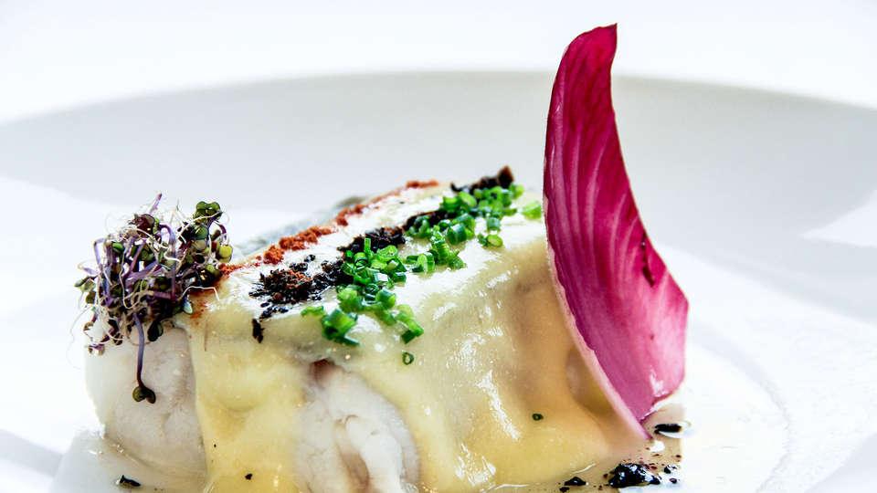Sercotel Hotel Gran Bilbao - Edit_Dinner3.jpg