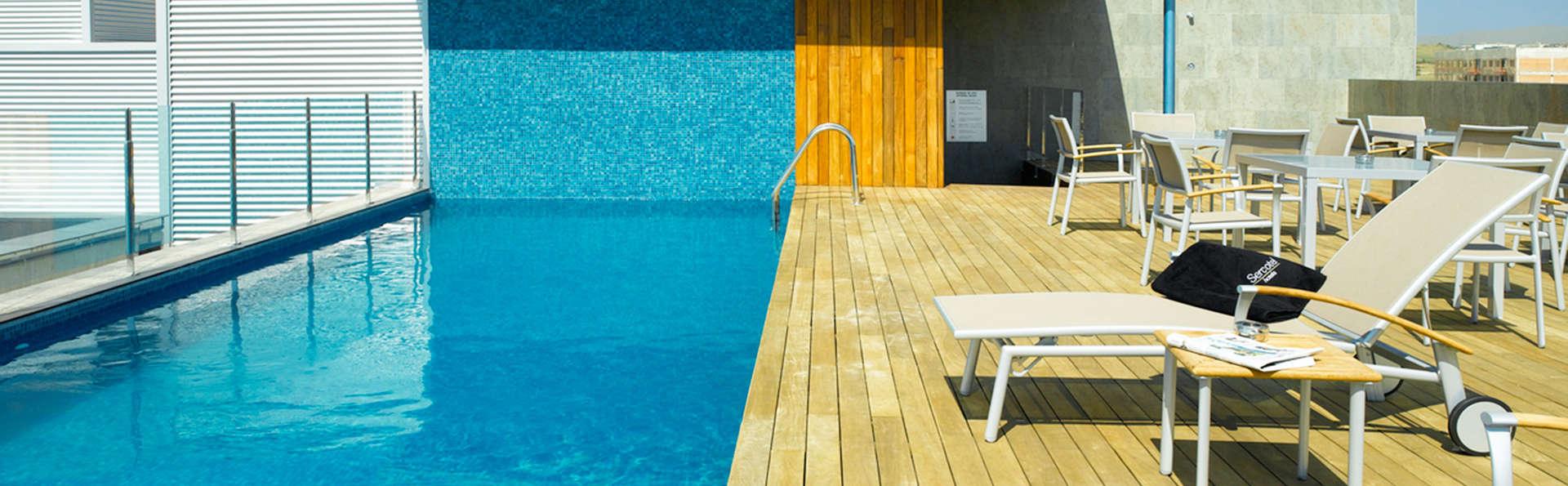 Sercotel Ciutat de Montcada - edit_Terraza_piscina.jpg