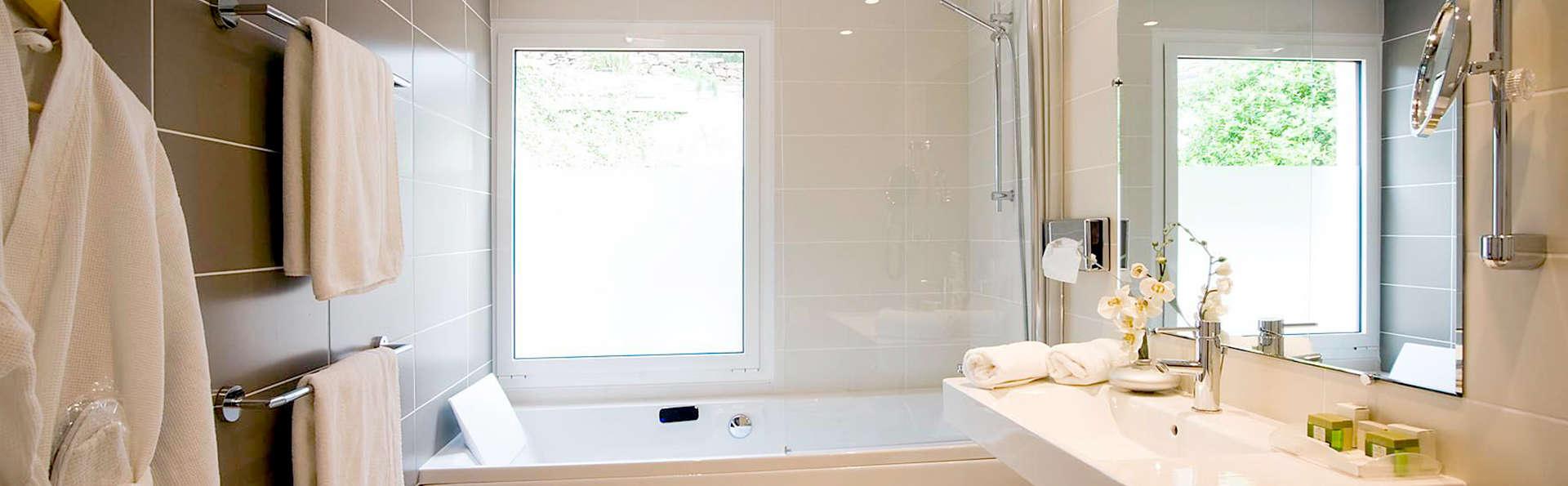 Hôtel les Mouettes - Edit_Bath2.jpg