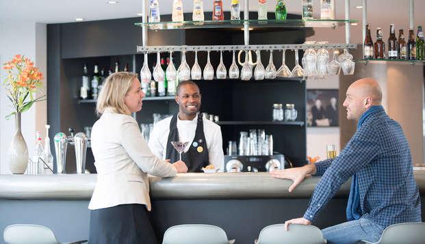Novotel Suites Paris Rueil Malmaison - bar