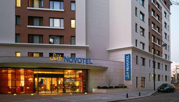 Novotel Suites Paris Rueil Malmaison - front