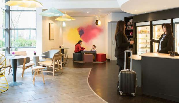Novotel Suites Paris Rueil Malmaison - lobby