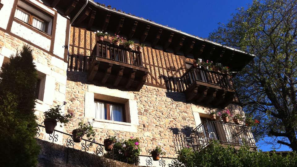 Hotel Doña Teresa - edit_facade.jpg