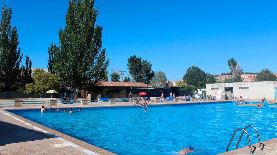 Hotel Palacios - edit_pool.jpg