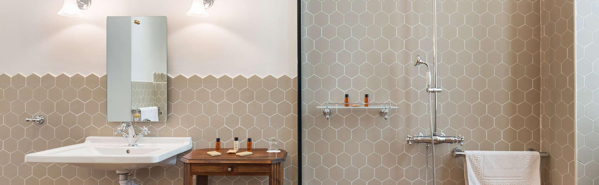 Hotel Le Grimaldi by HappyCulture™ - edit_bathroom.jpg