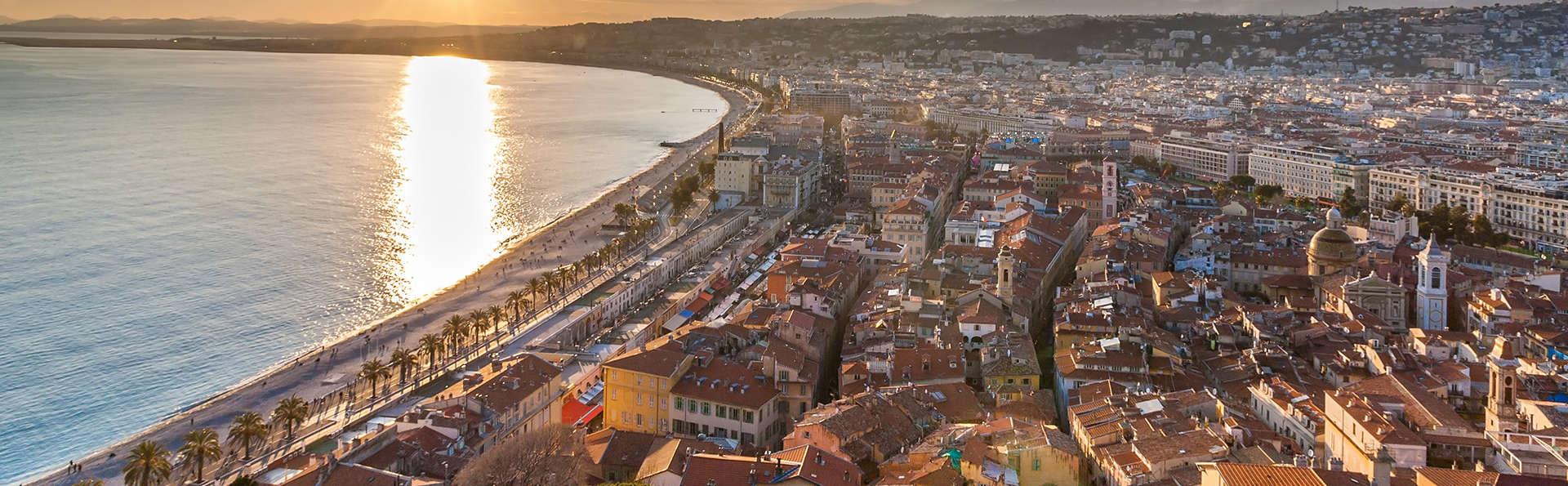 Offre spéciale limitée à Nice avec surclassement et départ tardif offert