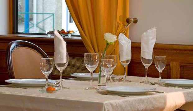 Cena en un hotel con encanto en los Pirineos