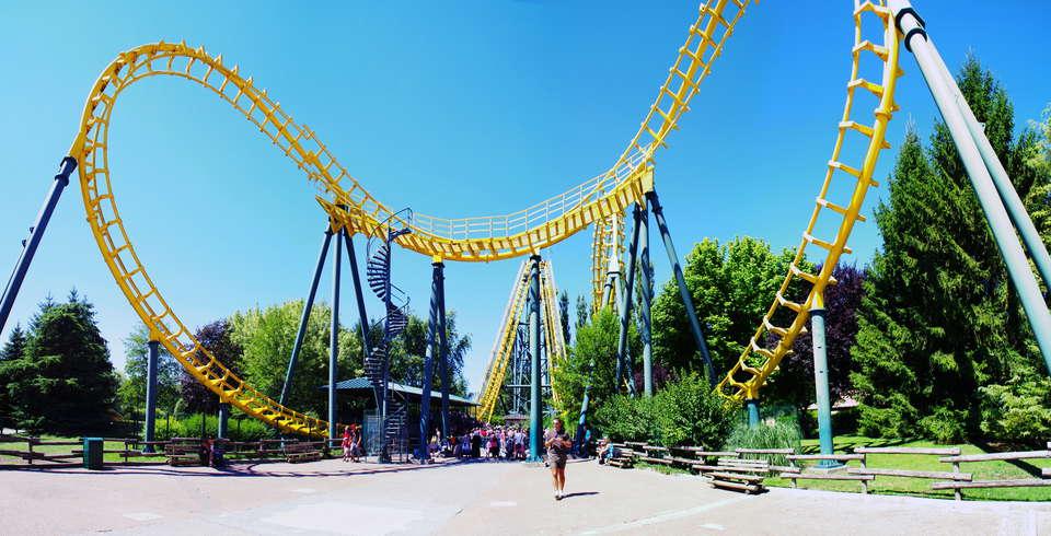 Week end villefontaine avec 1 entr e au parc d 39 attractions for Piscine de l isle d abeau
