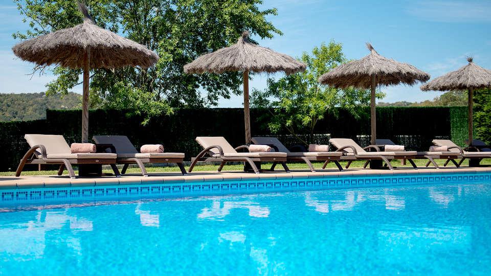 Sallés Hotel Mas Tapiolas - Edit_Pool4.jpg