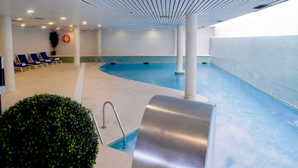 Gran Hotel Rey Don Jaime - Edit_Pool2.jpg