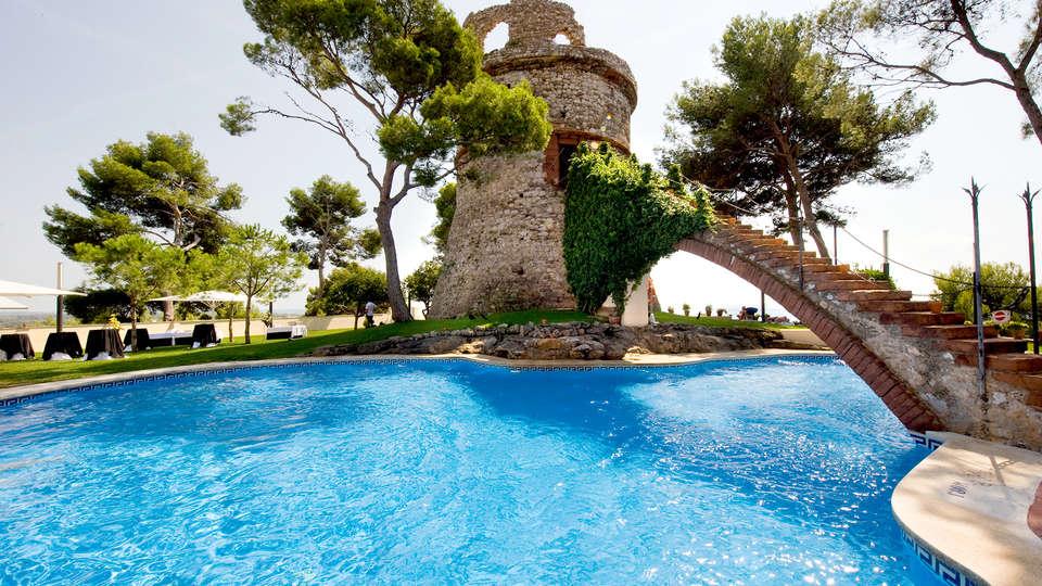 Gran Hotel Rey Don Jaime - Edit_Pool.jpg