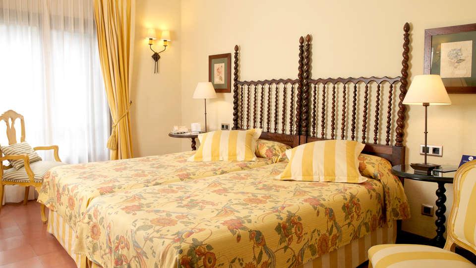 Gran Hotel Rey Don Jaime - Edit_room2.jpg