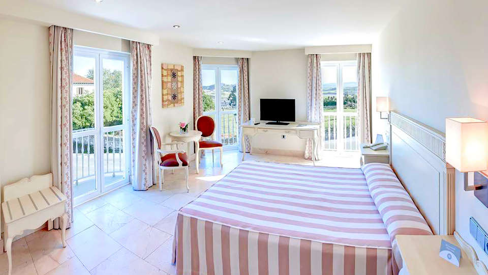 Gran Hotel Suances - Edit_room5.jpg