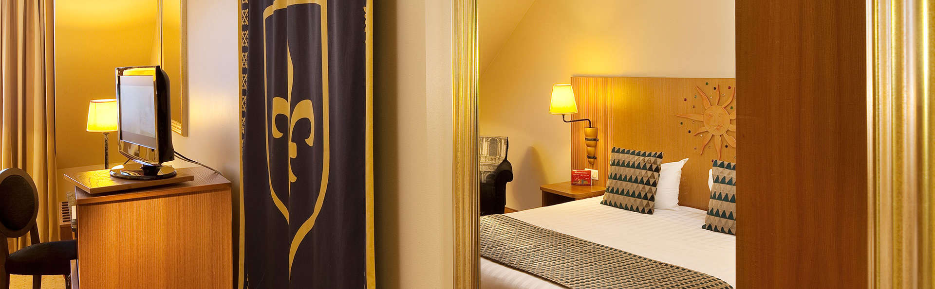 Vienna House Dream Castle Hotel Paris - edit_king_room.jpg