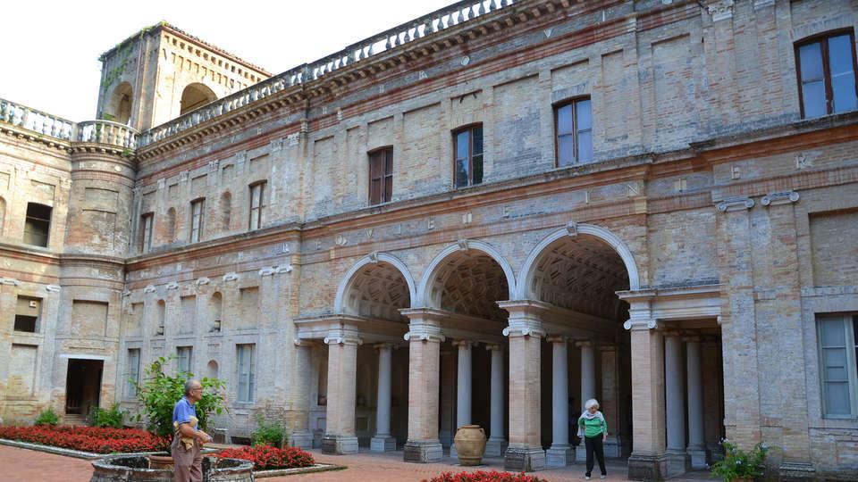 Le Grotte Hotel e Spa - edit_Pesaro__Villa_Imperiale_di_Girolamo_Genga_02.jpg