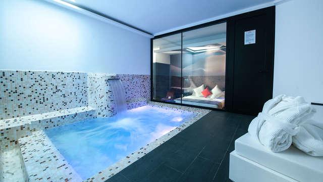 Escapada en master suite con hidromasaje privado cerca de Madrid (Only Adults)