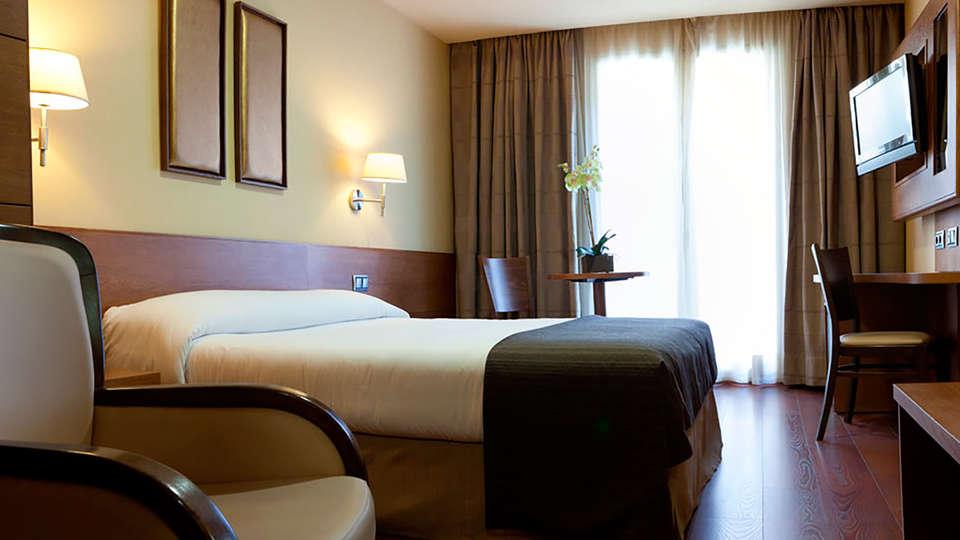Hotel Sterling - edit_3.jpg