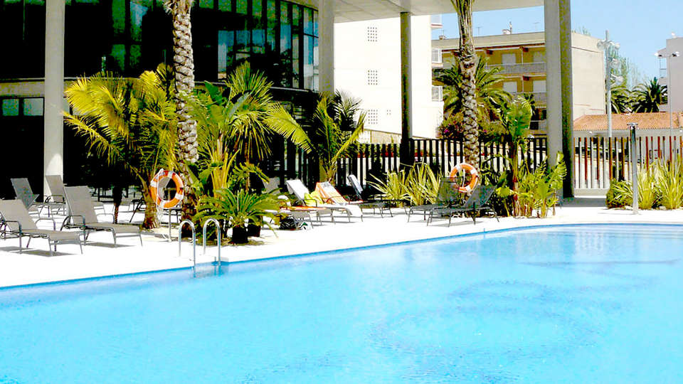 Hotel Agora Spa & Resort - Edit_Pool2.jpg