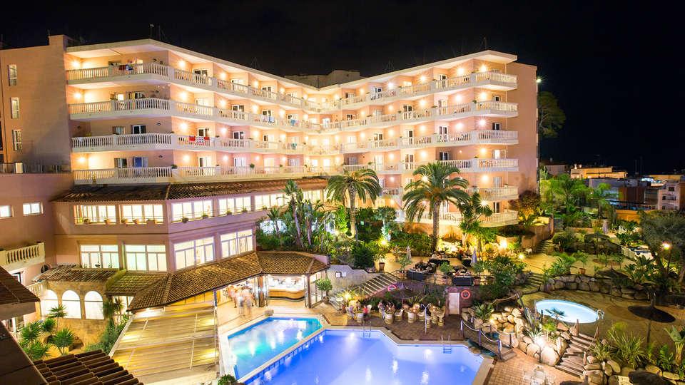 Hotel Alba Seleqtta - Edit_Front3.jpg