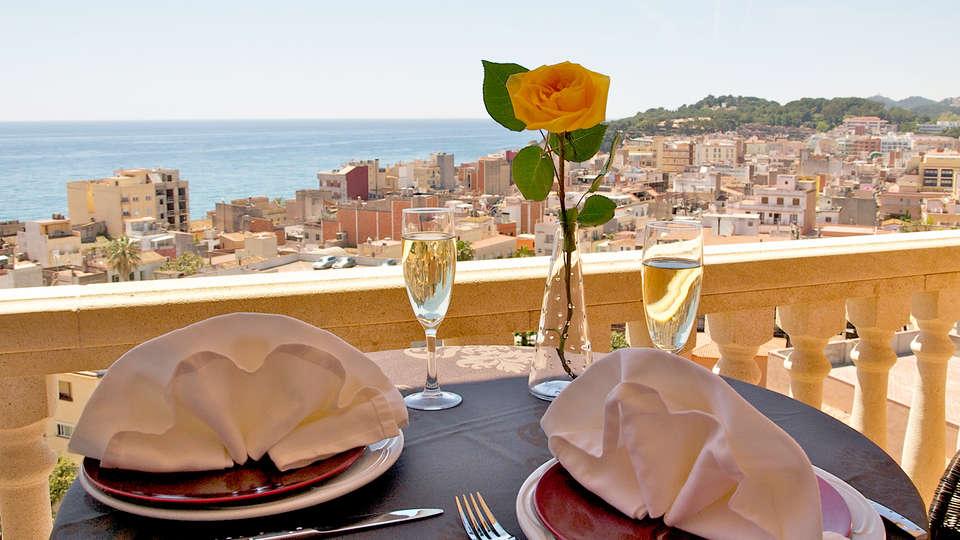 Hotel Alba Seleqtta - Edit_Terrace2.jpg