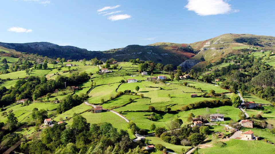 Hotel Spa Villa Pasiega - edit_Paisaje_de_prados_de_siega_en_Cantabria.jpg