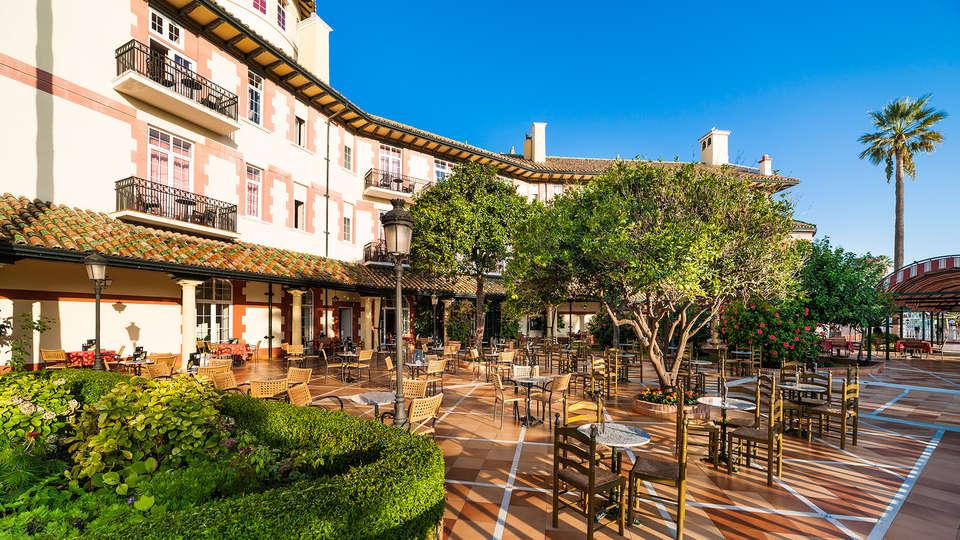 Hotel Globales Reina Cristina - edit_globales-reina-cristina-bar-terraza.jpg