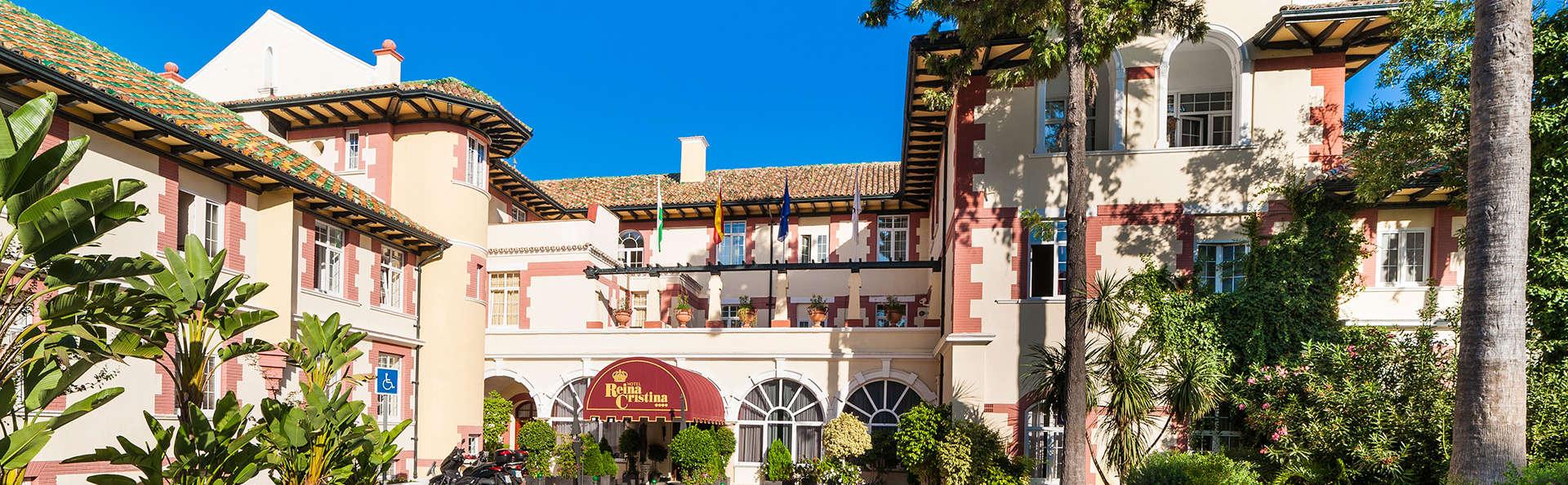 Hotel Globales Reina Cristina - edit_globales-reina-cristina-entrada-parking.jpg