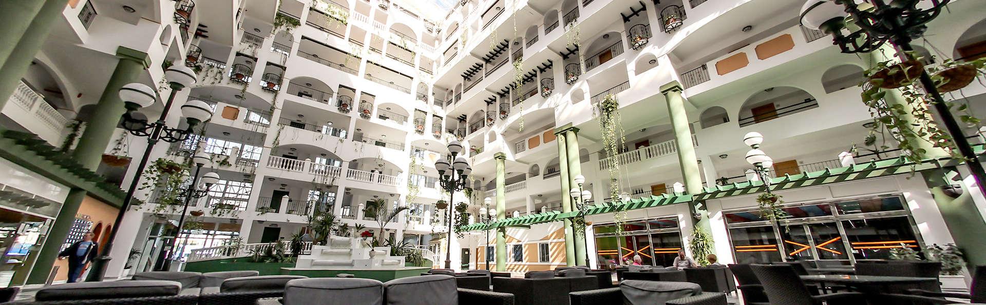 Hotel Bahía Serena - Edit_hall2.jpg