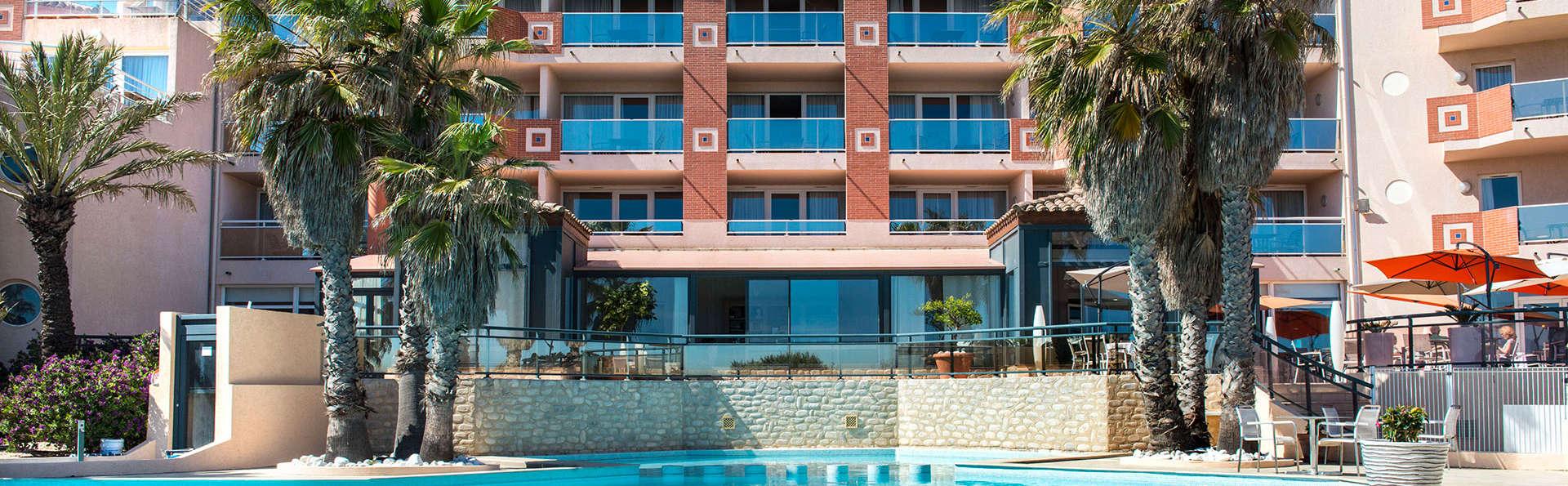 Grand Hôtel Les Flamants Roses - edit_pool42.jpg