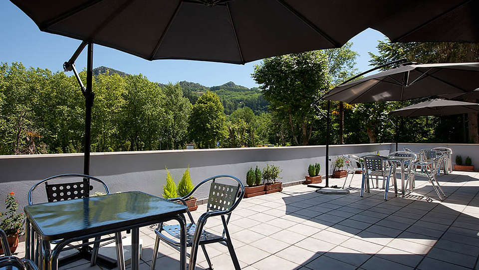 Hotel Balneario Areatza - Edit_Terrace23.jpg