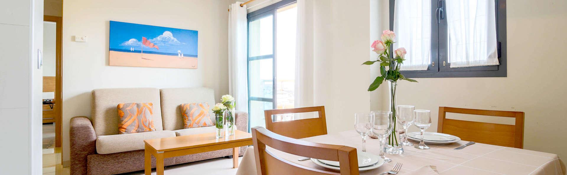 Escapada en cómodo y nuevo apartamento con cava, parking y hasta dos niños gratis