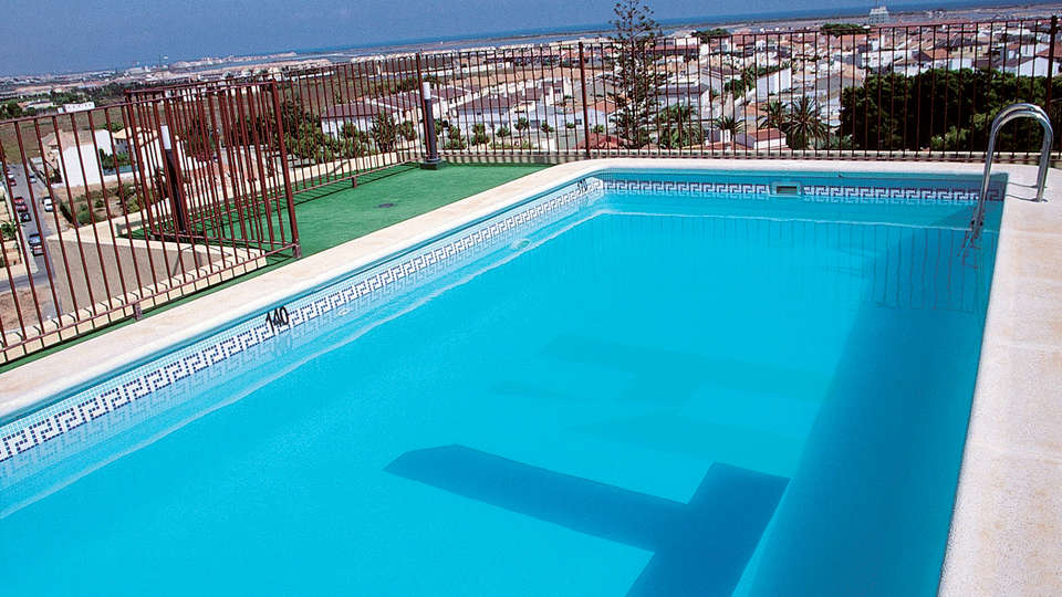 Aparthotel Bahía - Edit_Pool.jpg