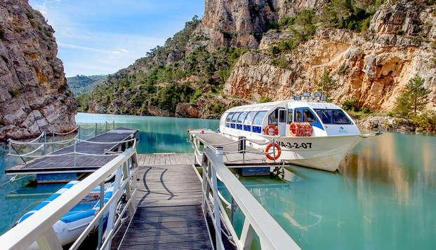 Escapada en balneario con travesía por el río Júcar, circuito de aguas y pensión completa