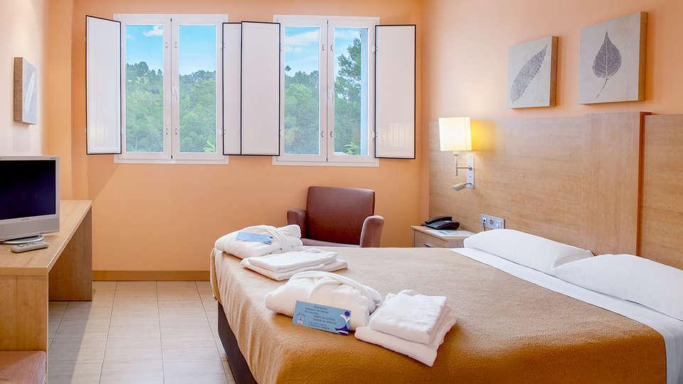 Hotel Balneario de Cofrentes  - Edit_room2.jpg