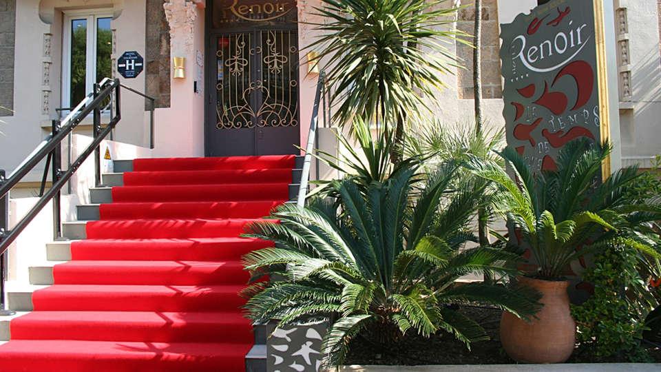 Hôtel Renoir - edit_entrance.jpg