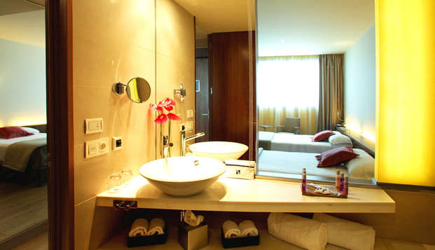 Hotel SB Diagonal Zero - bathroom